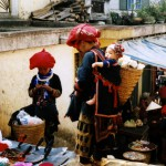 Zao women buying on market